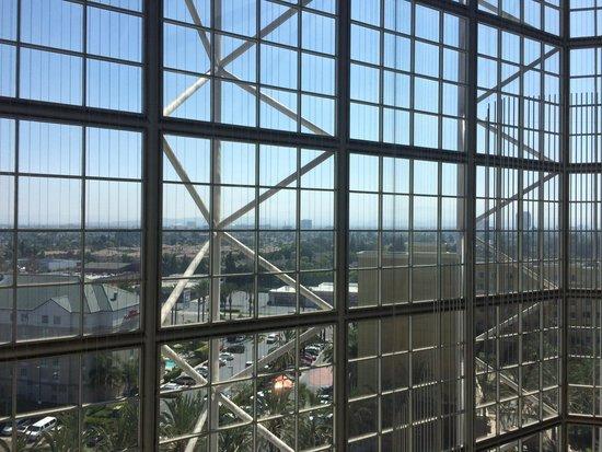 Hyatt Regency Orange County: View from our room on the 9th floor