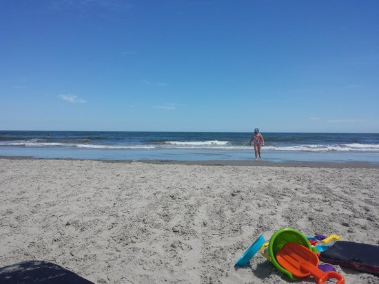 Compass Family Resort Motel: Beach within walking distance from Compass Motel