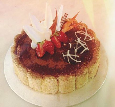 Sheraton Nha Trang Hotel and Spa: Best Cake in town