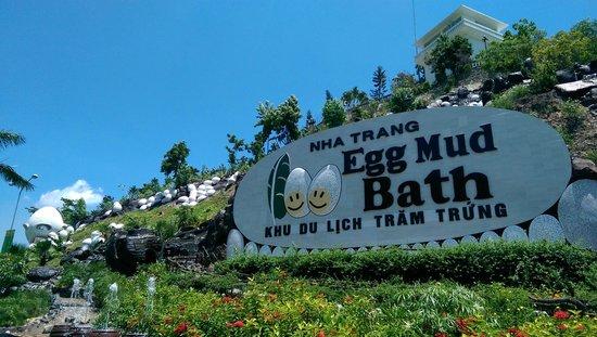 100 Egg Theme Park : На входе