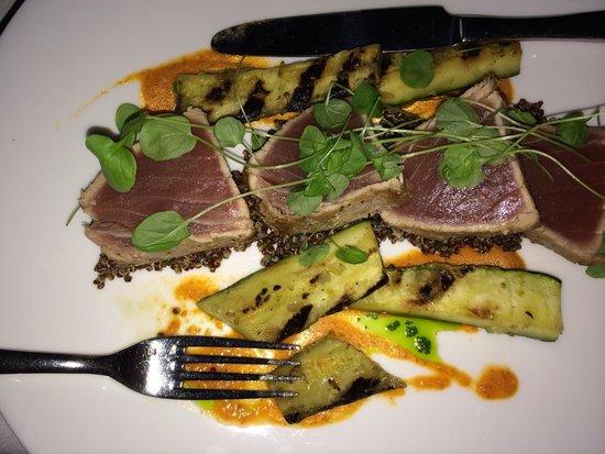 Peter Shields Inn & Restaurant: Tuna