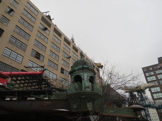City Museum: Fun inside and outside