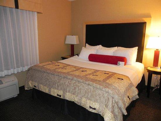 Cambria hotel & suites: abitación