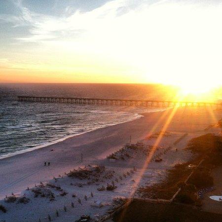 Hilton Pensacola Beach: Sunset from the balcony