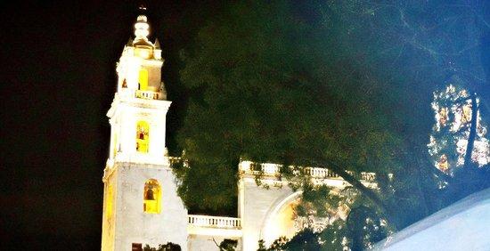 Best Western Maya Yucatan: Catedral