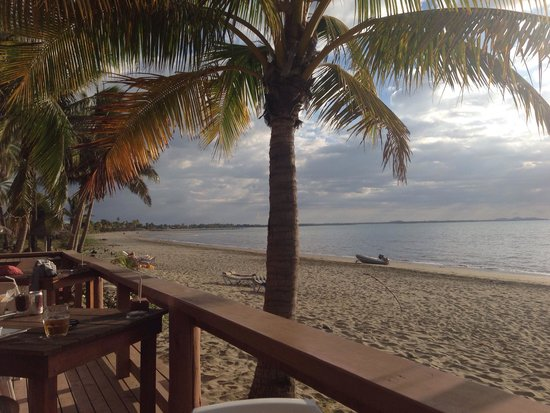 Smugglers Cove Beach Resort & Hotel: Beach from deck