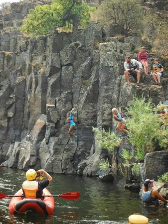 ROW Adventures - Salmon River Canyons: jumping off of stuff