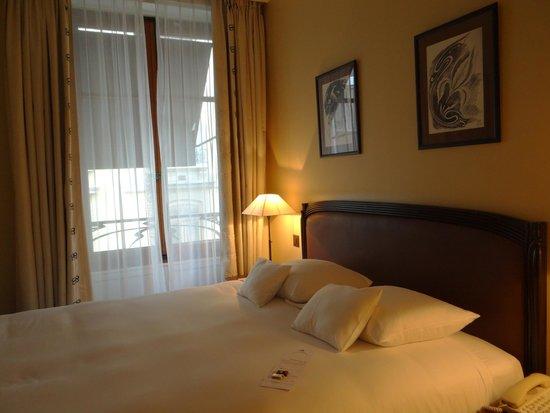 Tiffany Hotel: Esta vista corresponde a la que hay desde la entrada de la habitación