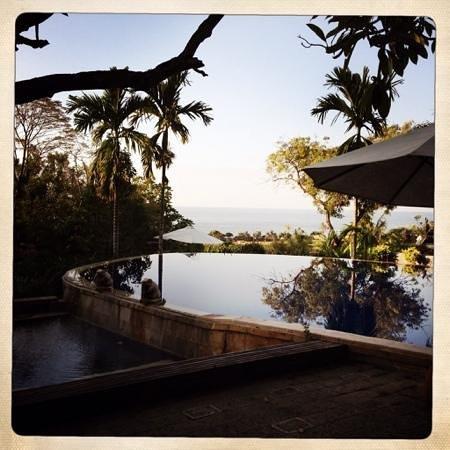 Zen Resort Bali: Pool mit Meerblick