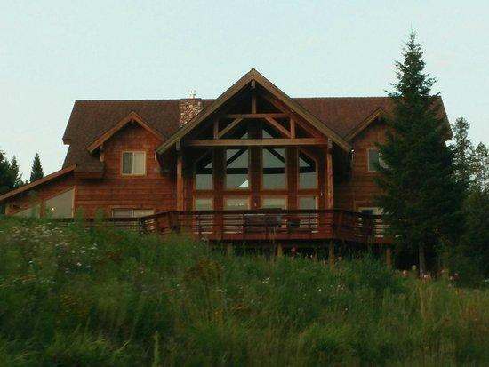 The Great Bear Inn: The Inn