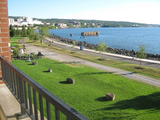 The Inn on Lake Superior: Sunny view