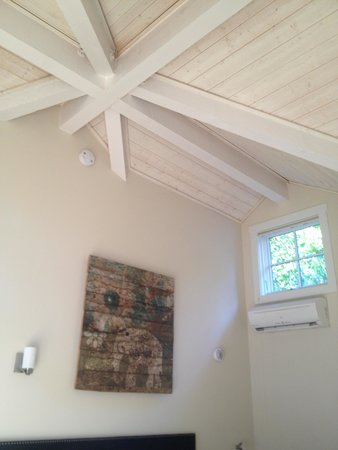 Olea Hotel: Cool celing in the cottage.