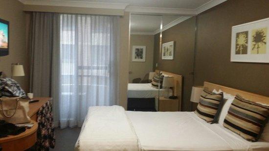 Adina Apartment Hotel Coogee Sydney: Main bedroom
