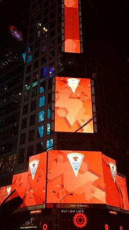 Times Square Visitors Center : È giorno anche di notte!!