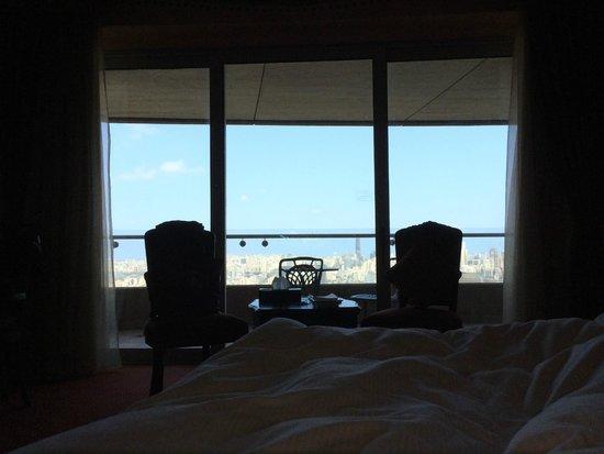 Hilton Beirut Habtoor Grand: Breakfast in bed
