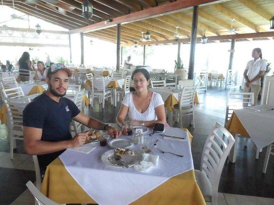 Vista Sol Punta Cana : Almorzando
