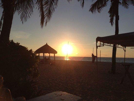 Yapak Beach (Puka Shell Beach): Sunset @ Puka Beach