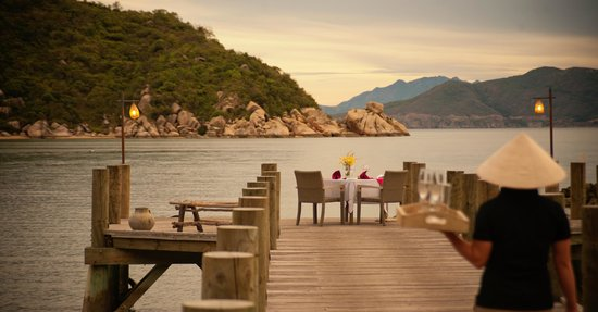 An Lam Ninh Van Bay Villas: Dinner @ jetty