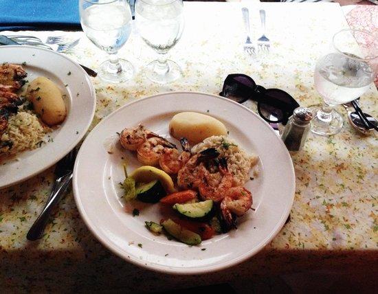Theo's Restaurant: Prawn Souvlaki
