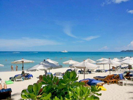Banana Fan Sea Resort: Blue sky