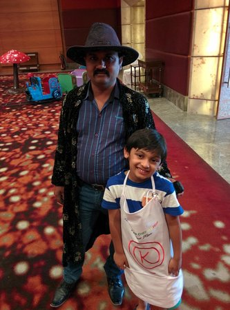 The Leela Ambience Gurgaon Hotel & Residences: MAgician _ kids Zone