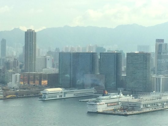 Four Seasons Hotel Hong Kong: view of Kowloon from our room