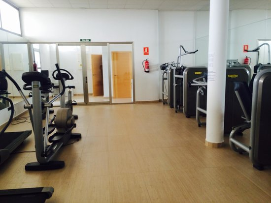 Colina Home Resort: Good gym with just enough equipment