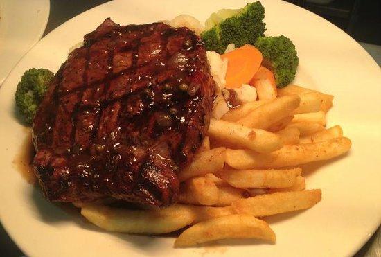 The Coal 'n' Cattle Hotel Motel: Rump steak