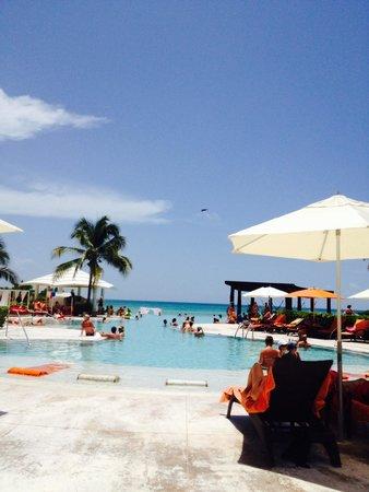 Now Jade Riviera Cancun: Ocean is nice, but beware of the rocks.