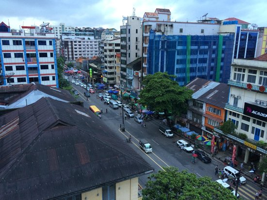 Hotel Grand United (Chinatown) : View from room 2