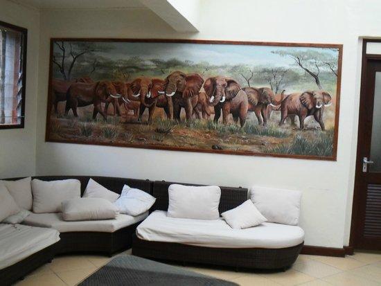 Sentrim Mara Camp: lobby