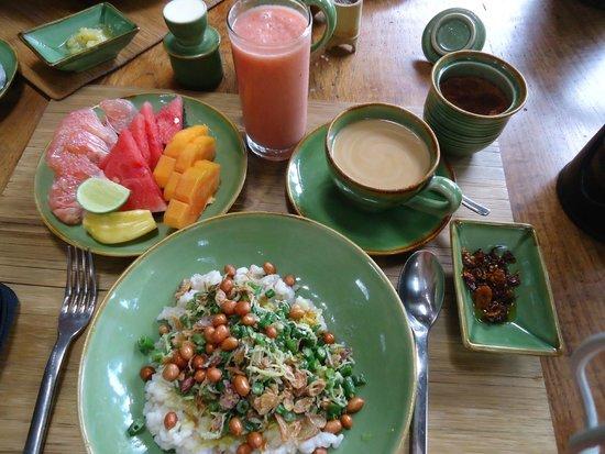 Bambu Indah : breakfast- balinese rice porridge, balinese coffee, organic fruit platter and juice