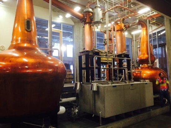 Road Dog Tours: Seattle Distillery Tour