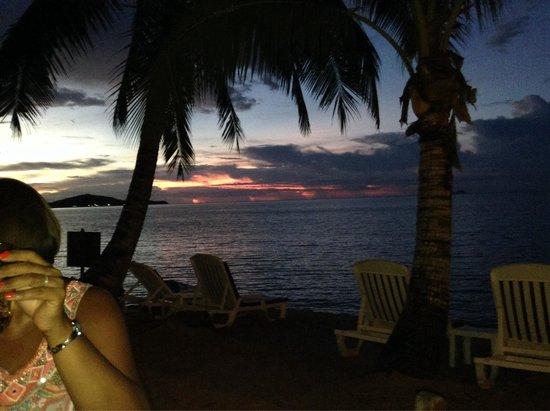 Paradise Beach Resort: Lovely sunset view