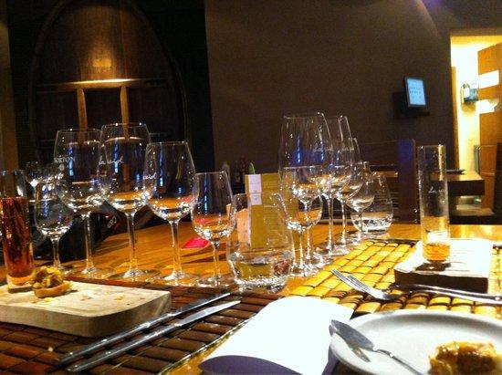 Restaurante La Vid: A mesa preparada para o menu degustação.
