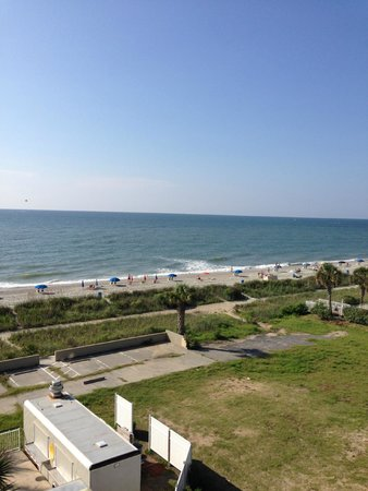 Hampton Inn & Suites Myrtle Beach/Oceanfront: This is the view from our SECOND balcony! Perfect spot to add that oceanfront restaurant/bar!