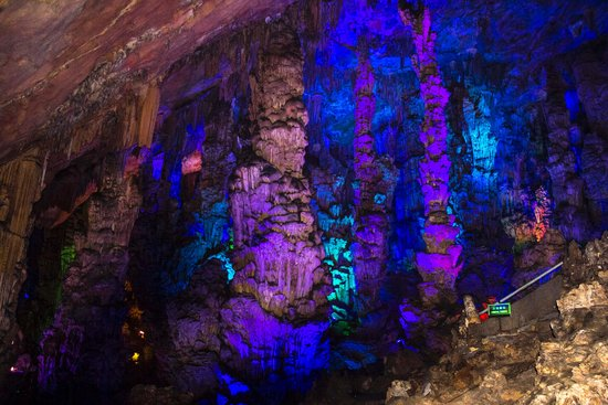 Reed Flute Cave (Ludi Yan): Lighting the caves