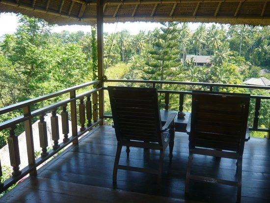 Graha Moding Villas : Terrasse à l'étage
