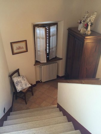 Locanda La Mandragola: staircase