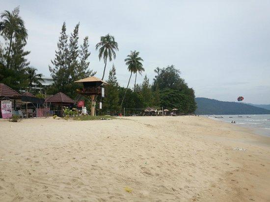 PARKROYAL Penang Resort, Malaysia : Beach area