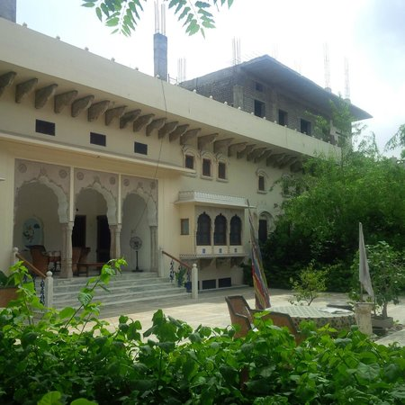 Dera Mandawa: Hotel outlook
