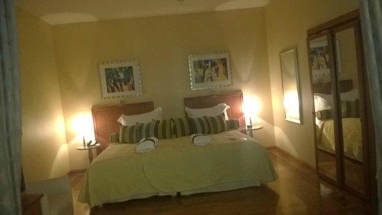 Radisson Blu Ridzene Hotel : Спальня в сьюте