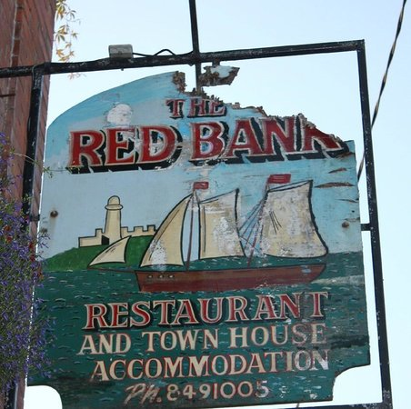 Redbank Guest House: Sign board