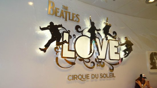 The Beatles - Love - Cirque du Soleil: Entrada