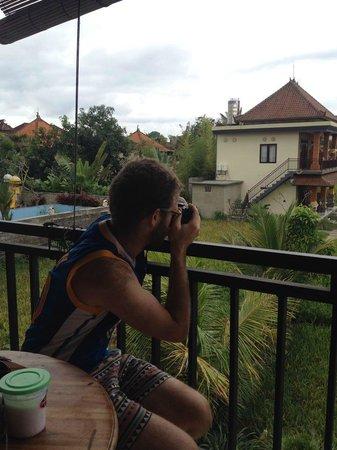 Bening Bungalow: Taking Photos