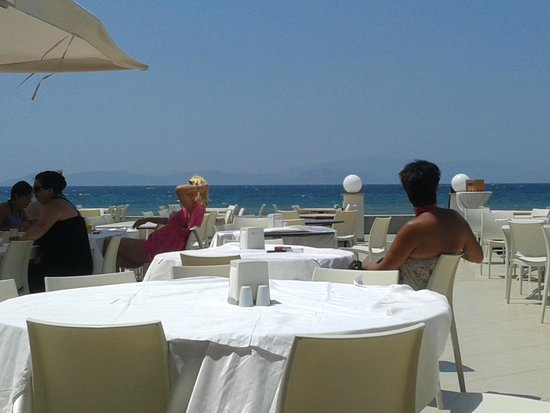 Ephesia Holiday Beach Club : terrasse du restaurant