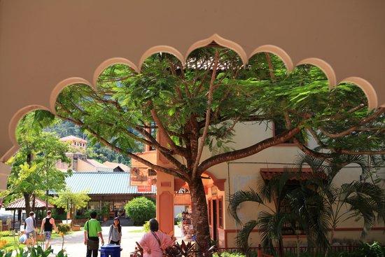 Oriental Village Langkawi: Typical Building in Oriental Village