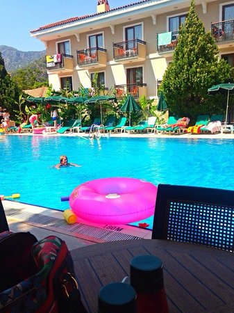 Perdikia Beach Hotel: Pool area!!!