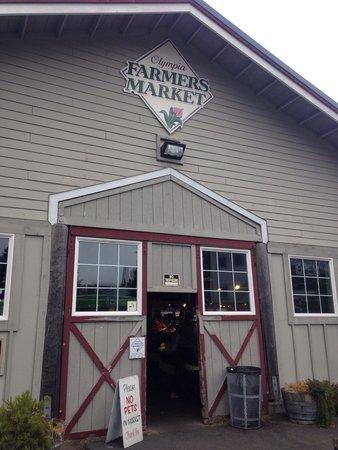 Farmers Market: The entrance