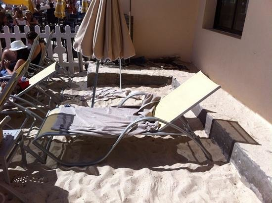 Garden Beach Hotel : This is what they call a properly accessible deck chair!